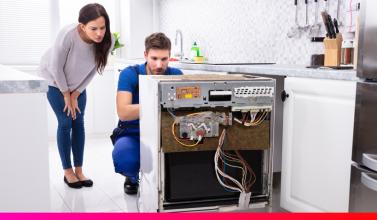 Técnico del servicio de reparación de electrodomésticos Podo